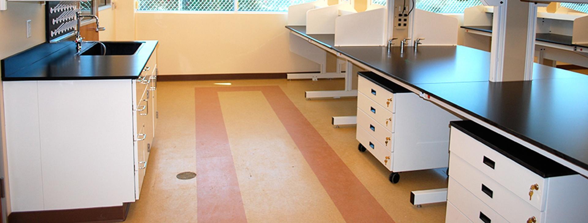 C2-Lab-benches.jpg